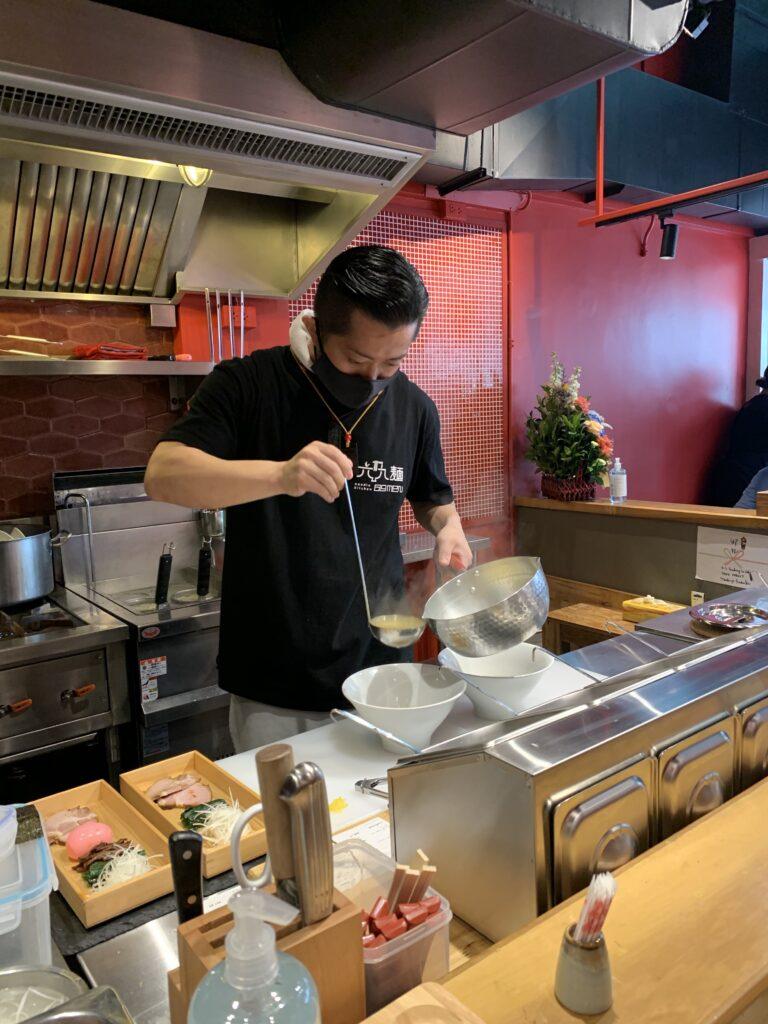 六九麺 厨房
