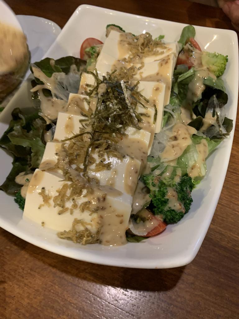 隠れ家離れ 豆腐とカリカリじゃこサラダ