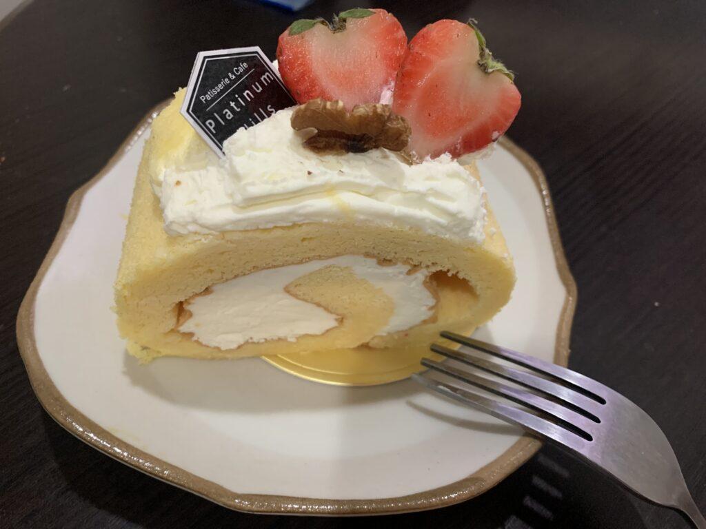 プラチナムヒルズ ロールケーキ