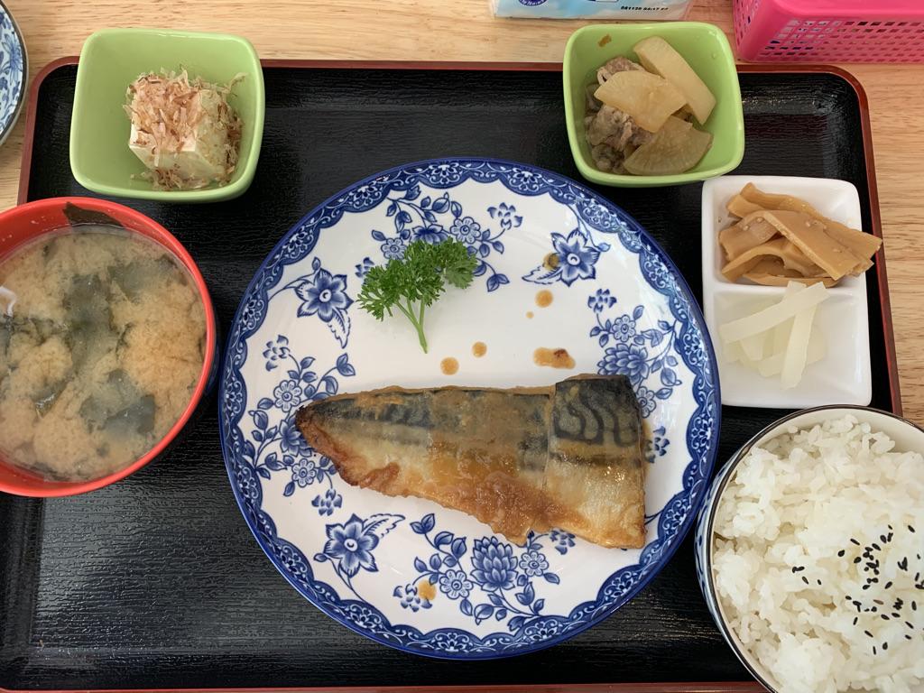 ひまわり食堂 さばの味噌煮定食