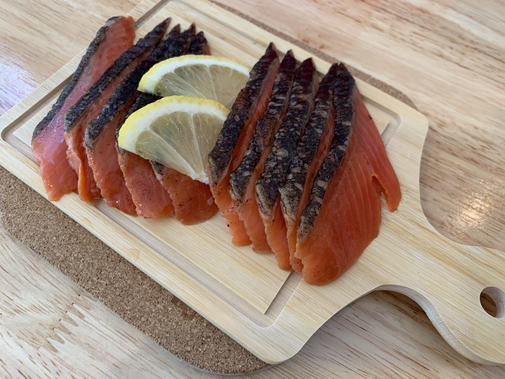 ひまわり食堂 鮭の燻製