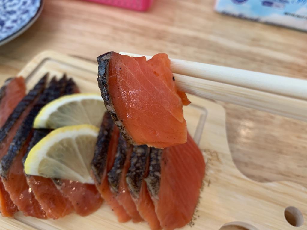ひまわり食堂 鮭の燻製2