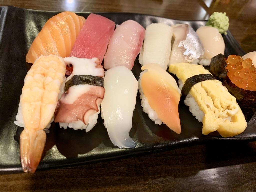 すすきの 寿司セット
